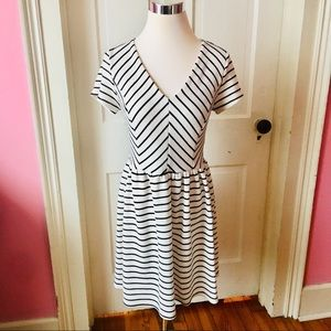 Dresses & Skirts - Ivory & black bias cut striped dress